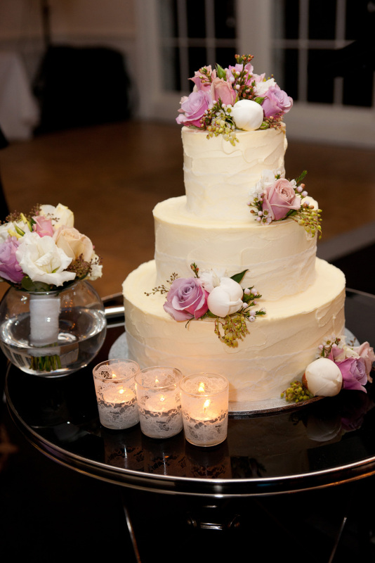 3 tier buttercream wedding cakes bcg50 3 tier medium wedding cake finished in a soft 10217
